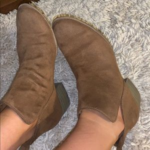 American eagle booties tan brown